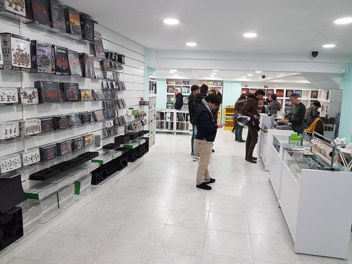 Distrito Zero - Tienda de comics en Santander